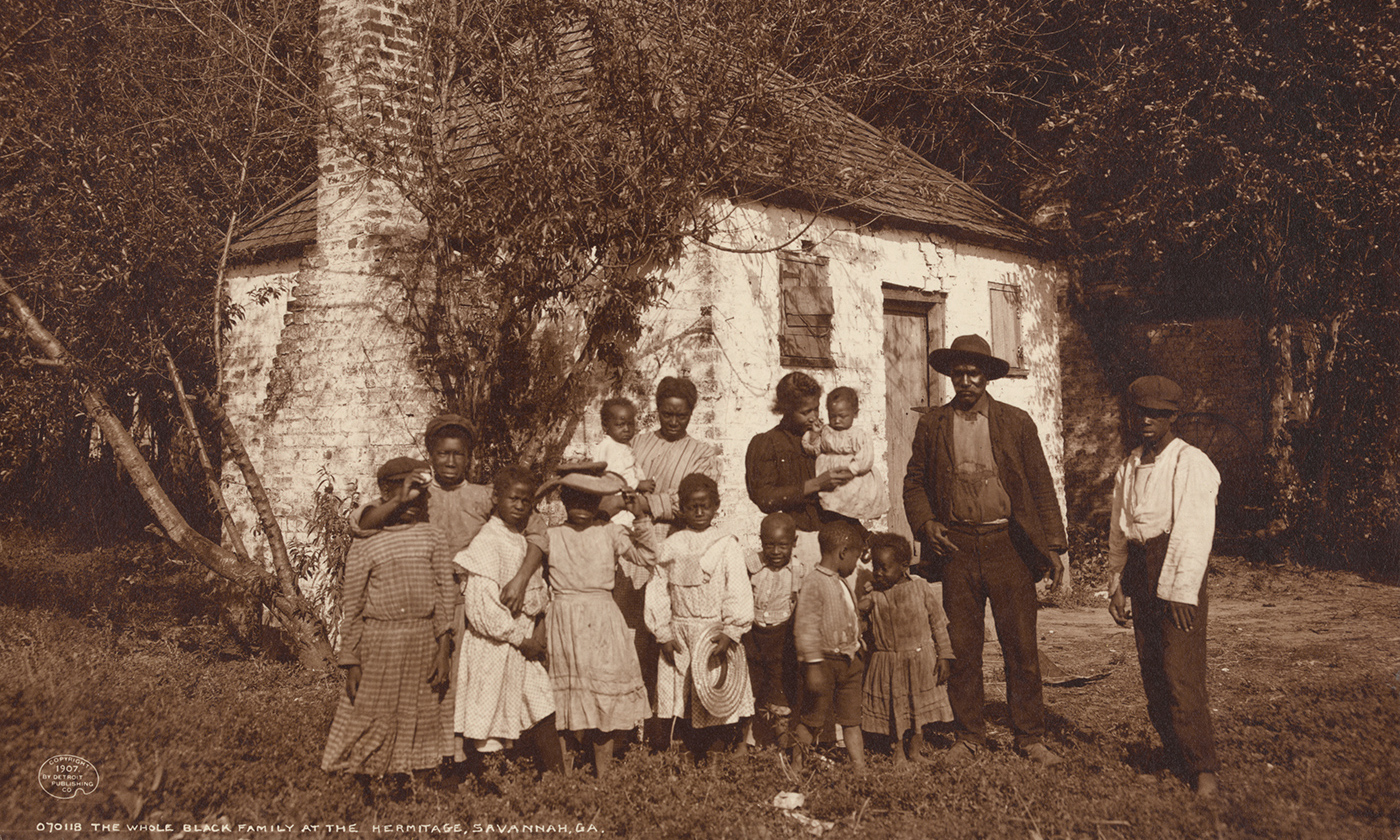 African-American family at the Hermitage, Savannah, Georgia in 1907. <em>Photo courtesy of the Library of Congress</em>