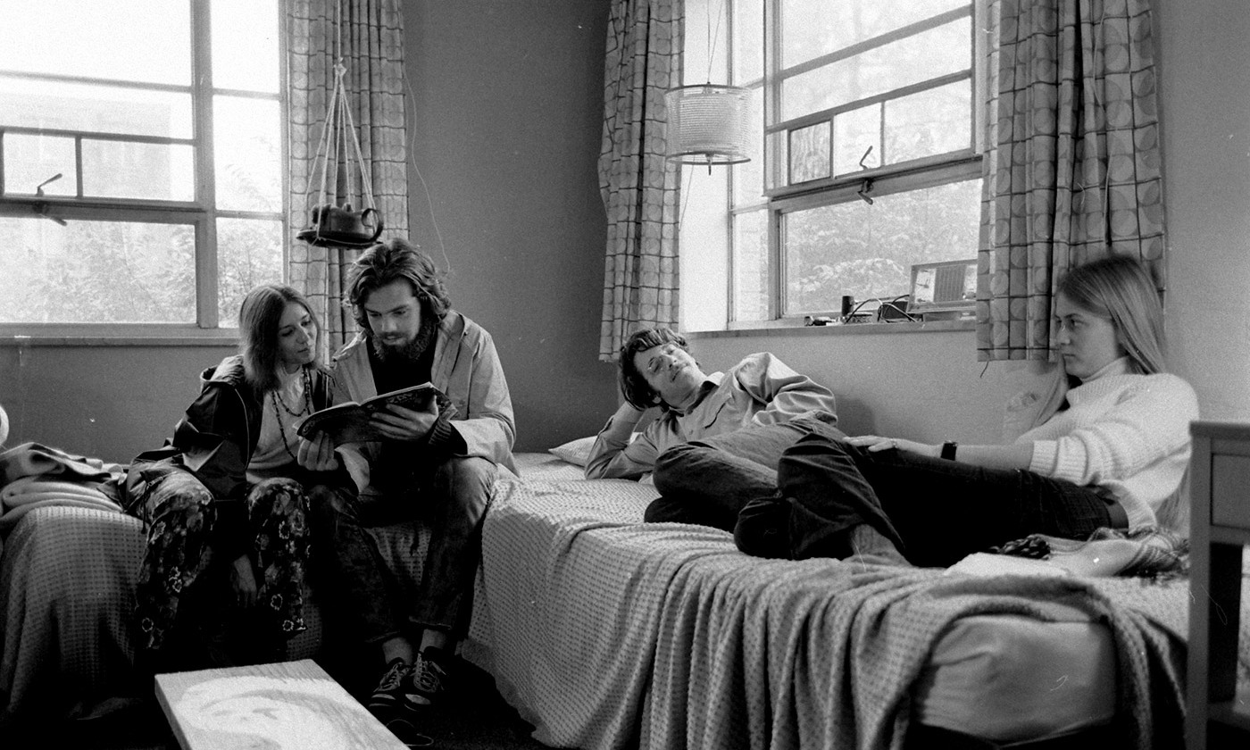 Co-ed dorm at Oberlin college, 1970. <em>Photo by Bill Ray/Time Life/Getty</em>