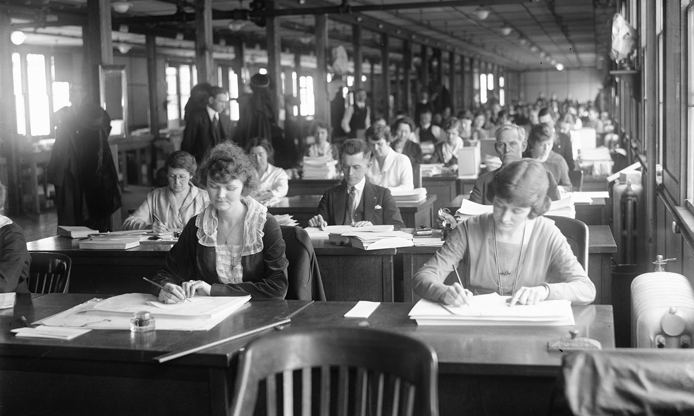 <p>Brain work. Office clerks, United States, 1915. <em>Photo courtesy Library of Congress</em></p>