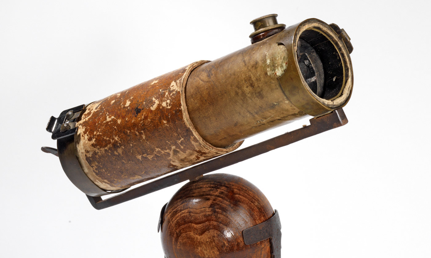 Isaac Newton's reflecting telescope of 1671. <em>Photo ©The Royal Society, London</em>