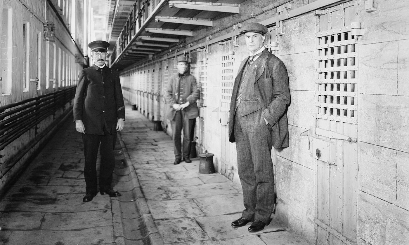 The warden and two officers in Sing-Sing Prison, New York State, c 1915. <em>Courtesy Wikipedia</em>