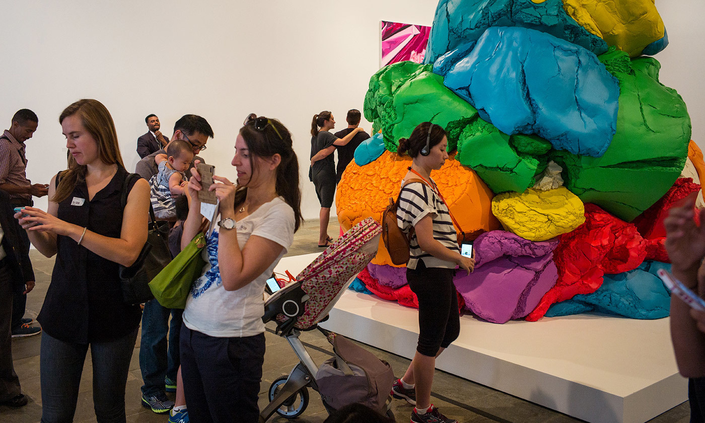 At the Whitney Museum's Jeff Koons retrospective in 2014. <em>Photo by Robert Nickelsberg/Getty</em>