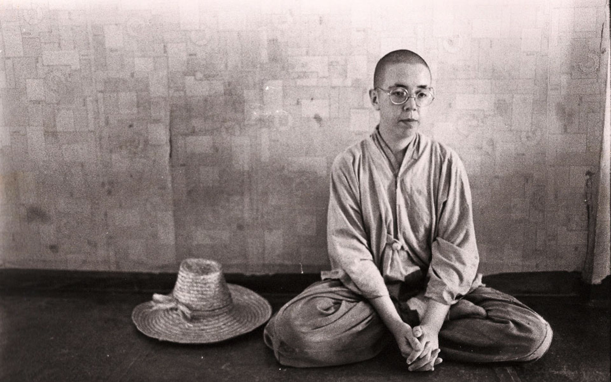 buddhist meditation essays Meditation in buddhism buddhists pursue meditation as a means to attain their goal of escaping suffering and the cycles of rebirth: the achievement of nirvana (pali.